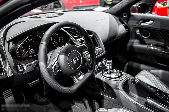 2013-naias-audi-r8-facelift-live-photos-medium_19