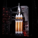orion-spacecraft-rocket-delta-IV-4-NASA-floodlights-dark-night-br2