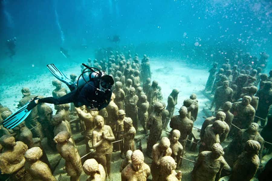 The worlds most famous underwater sculpture museum (9)