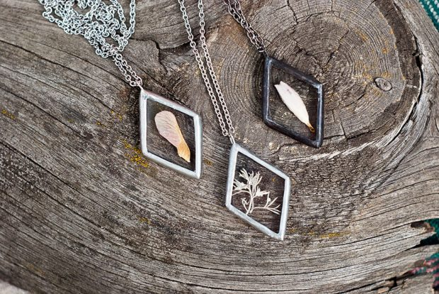 Nature In Pressed Glass Jewelry mihanpost (13)